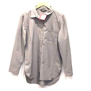 New women's The North Face Shirt